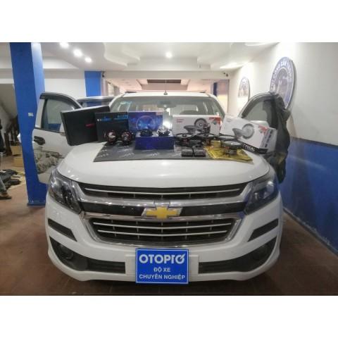 Chevrolet Colorado 2018 độ loa cánh Focal