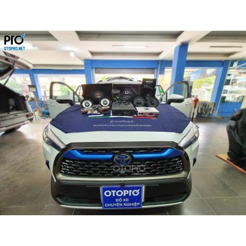 Toyota Corolla Cross Hybrid nâng cấp hệ thống âm thanh loa DLS UPi6
