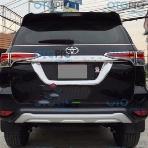 Bodykits cho Toyota Fortuner 2016 mẫu OEM