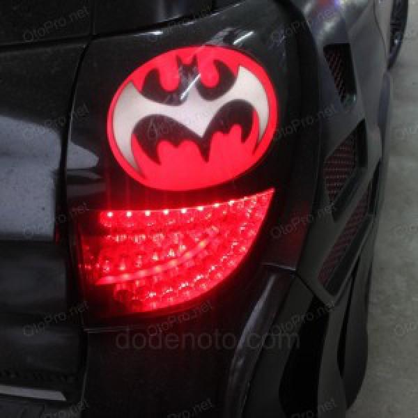 Độ đèn hậu LED cho xe Chevrolet Captiva mẫu Batman