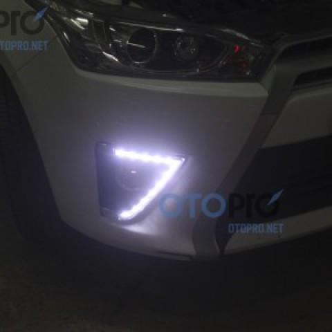 Đèn gầm LED daylight 2 màu cho xe Yaris mẫu LED hạt