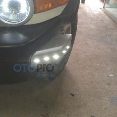 Độ đèn Daylight LED cho xe FJ Cruiser