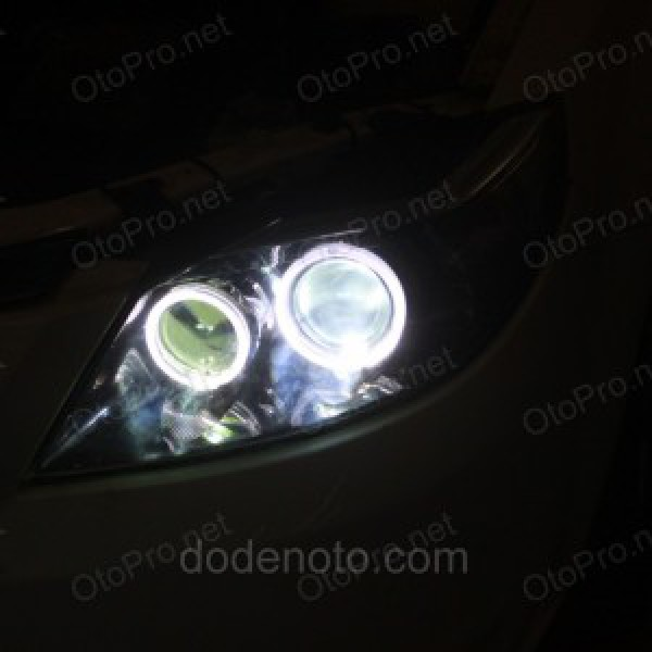 Độ đèn bi xenon, angel eyes LED kiểu BMW cho xe Haima 3