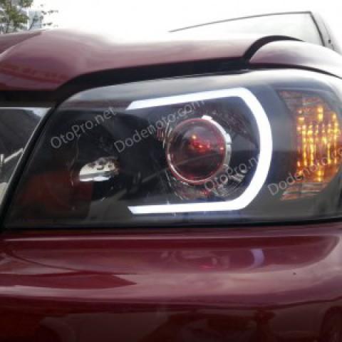 Độ đèn bi xenon, LED mí khối cho xe Toyota Highlander 2005