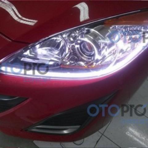 Độ đèn LED mí khối trắng vàng cho xe Mazda 3