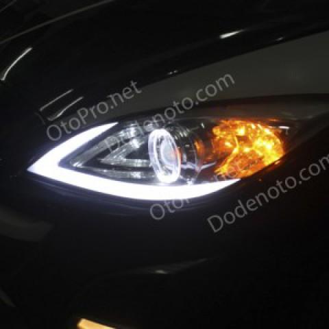 Độ dải LED mí khối, Angel Eyes kiểu BMW cho xe Mazda 3