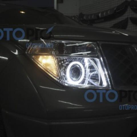 Độ đèn bi xenon, angel eyes LED cho xe Nissan Navara