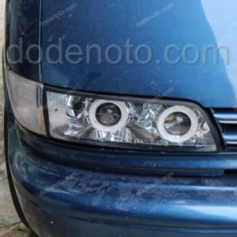 Độ đèn bi xenon, projector, angel eyes LED cho Toyota Previa