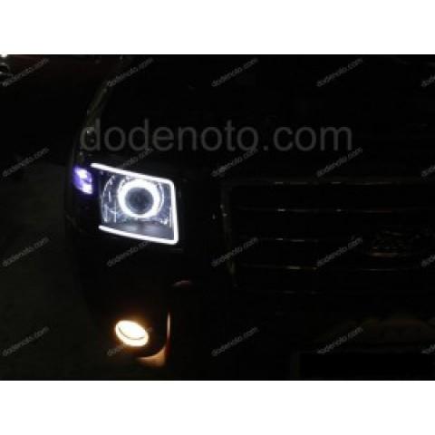 Độ bi xenon, angel eyes, LED mí khối xe Ford Everest mẫu 2