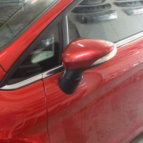 Độ gương gập điện tự động theo chìa khóa cho xe Ford Fiesta