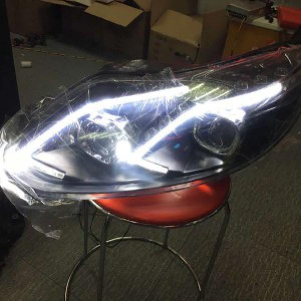 Đèn pha độ LED nguyên bộ cho xe Focus 2013 mẫu Mercedes