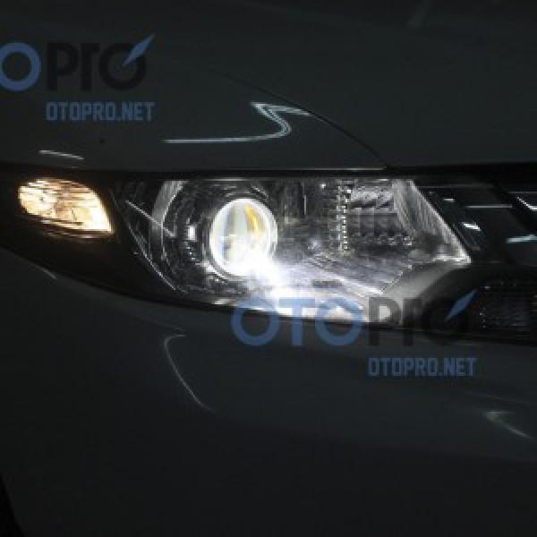 Độ đèn bi xenon cho xe Honda City 2013