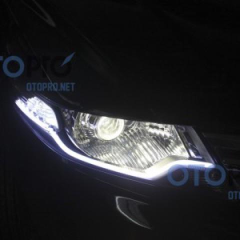 Độ đèn bi xenon, dải LED mí khối trắng vàng cho xe Honda City