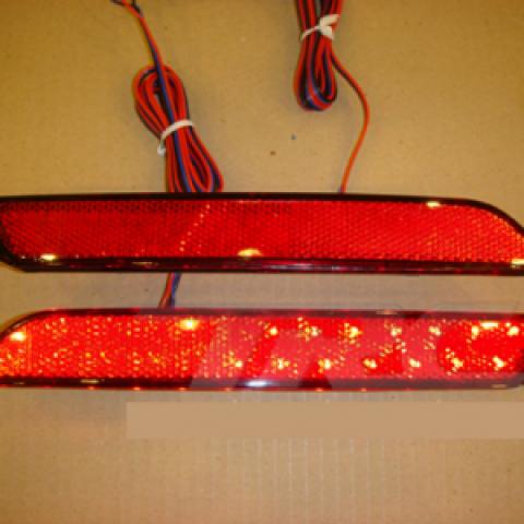 Đèn led phản quang sau xe Honda CR-V 2010