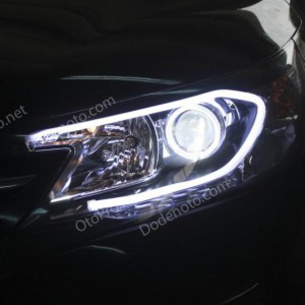 Độ angel eyes kiểu BMW, LED mí khối trắng vàng xe CR-V 2013