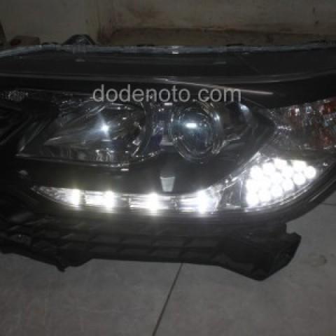 Độ đèn LED mí daylight q-block cho xe Honda CR-V 2013