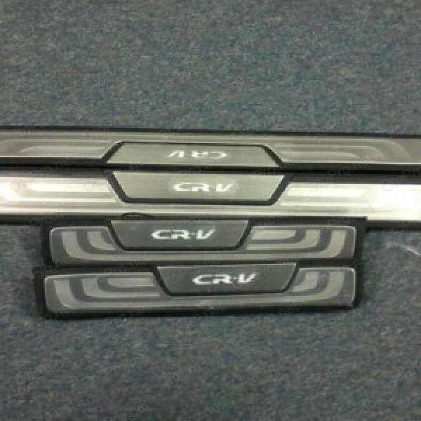 Ốp bậc cửa có đèn LED cho xe Honda CR-V 2013