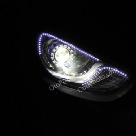 Độ đèn bi xenon, angel eyes UFO, dải LED mí cho xe Accent
