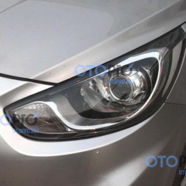 Độ đèn bi xenon projector cho xe Hyunda Accent