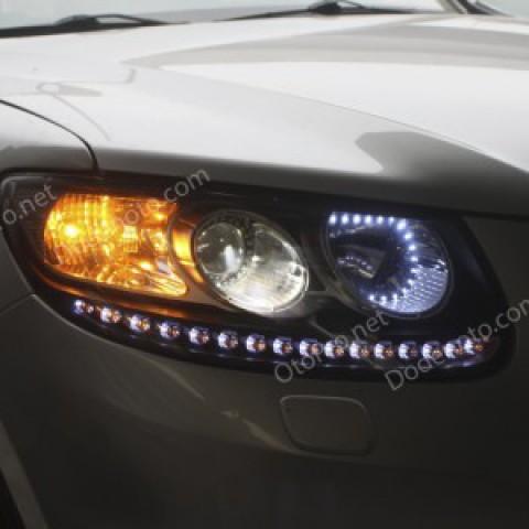 Độ dải LED mí,vòng Angel Eyes cho xe Hyundai Santafe