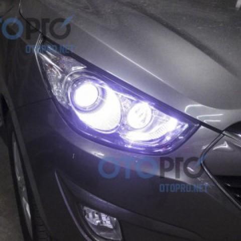 Độ đèn bi xenon vào chóa pha cho xe Hyundai Tucson ix35