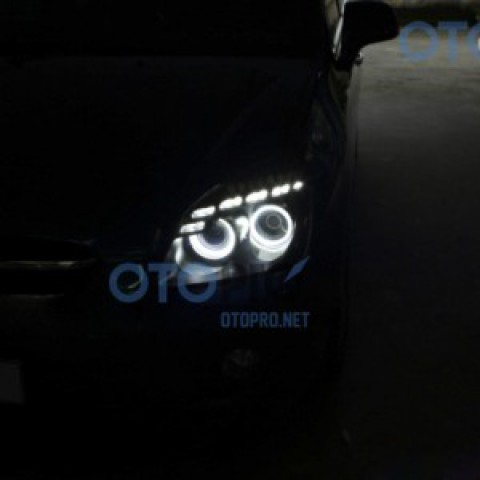 KIA Carens độ đèn bi xenon, angel eyes, LED mí Audi Q5
