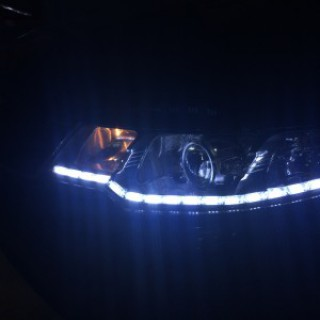 Cerato 2010 độ bi Q5, LED mí chạy.