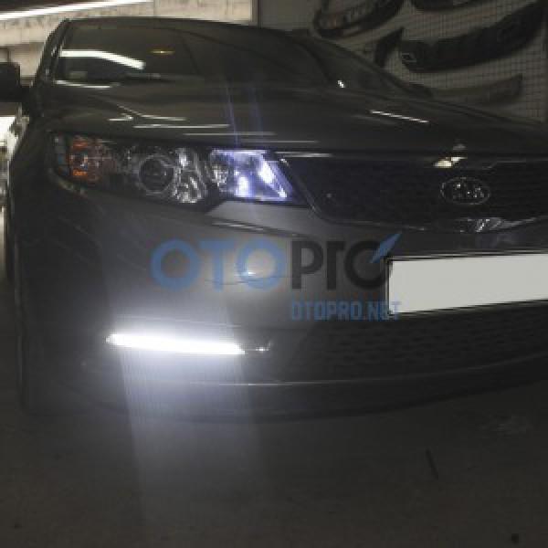 Độ đèn gầm LED daylight 2 màu kiểu Mercedes