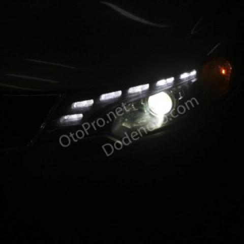 Độ đèn bi xenon, dải LED mí Audi Q5 cho xe Kia Forte