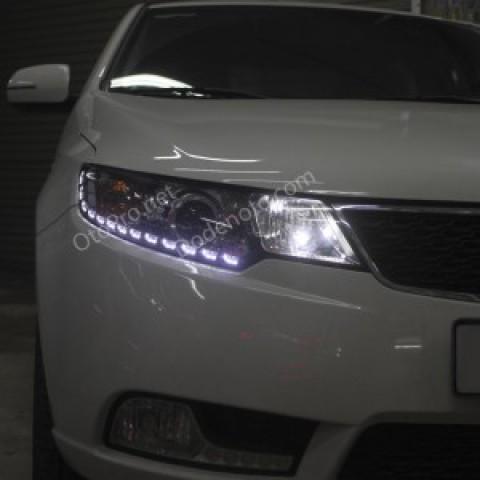Độ đèn bi xenon, projector, dải led mí Transformer cho xe Forte