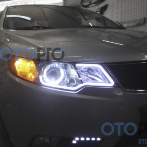 Độ bi xenon, angel eyes kiểu BMW, LED mí khối xe Forte