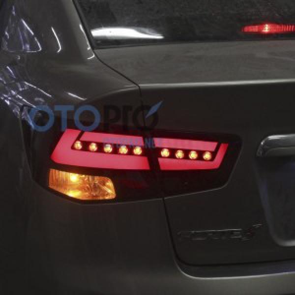 Độ đèn hậu LED khối, xi nhan LED cho xe Kia Forte