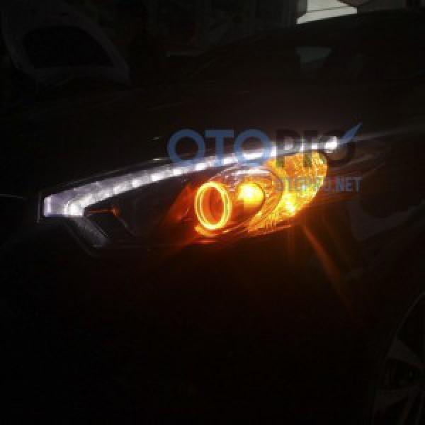 Độ vòng angel eyes LED kiểu BMW 2 màu xe Kia K3