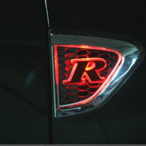 Biểu tượng LED hông xe Sorento R