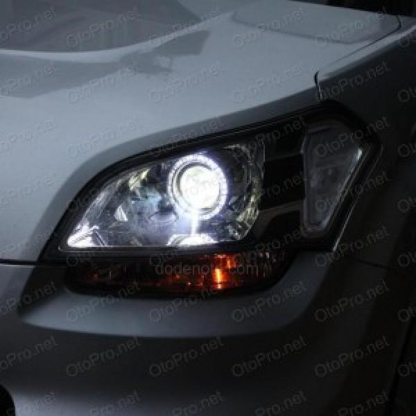 Độ đèn bi xenon, vòng angel eyes LED UFO cho xe Kia Soul