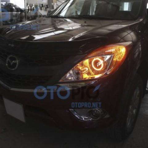 Độ bi xenon vòng angel eyes LED kiểu BMW cho Mazda BT50