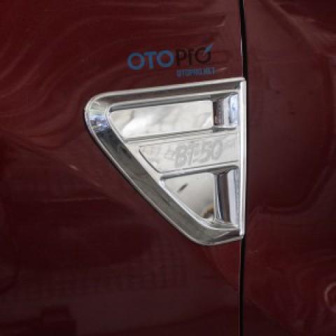 Mang cá thể thao mạ Crom cho xe Mazda BT 50