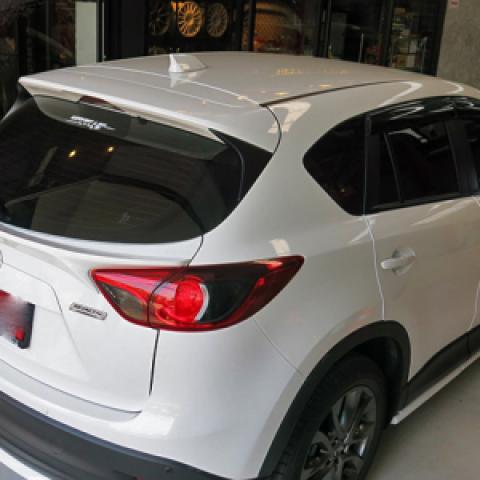 Đuôi gió chân kính hậu cho Mazda CX5