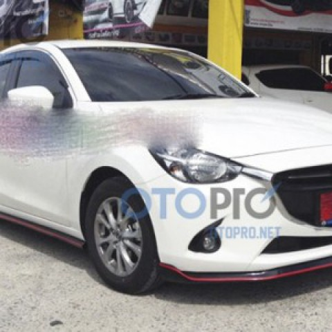 Bodylips xe Mazda 2 All New 2015 Sedan mẫu X-treme