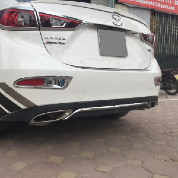 Mazda 3 Độ Lippo Mercedes