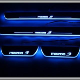 Ốp bậc cửa chạy led Mazda 3