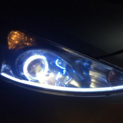 Mitsubishi Grandis lắp bi domax,bóng hella 5, led mí silicon và vòng AE