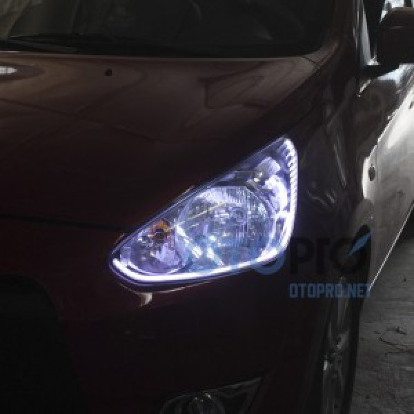 Độ dải LED mí khối trắng vàng cho xe Mirage