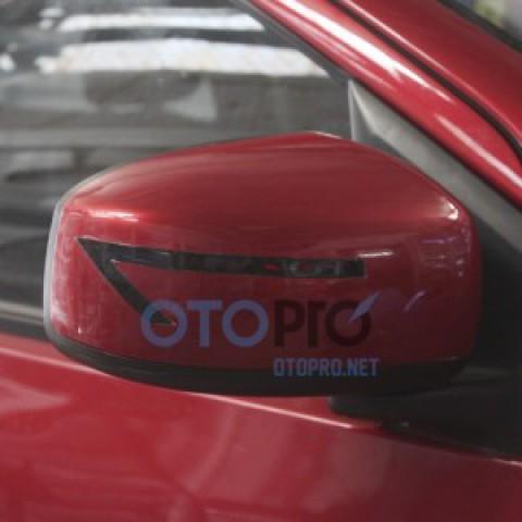 Độ xi nhan LED trên gáo gương, ốp gương xe Mirage
