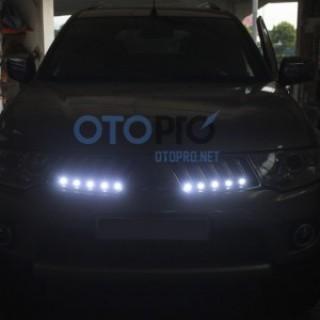 Độ đèn LED daylight xe Mitsubishi Triton