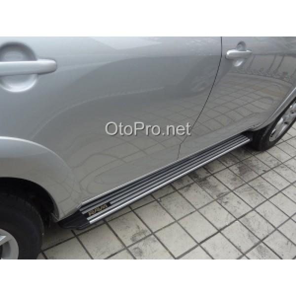 Bậc lên xuống cho xe Toyota RAV 4 mẫu 3
