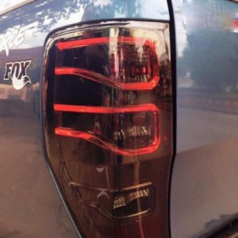 Đèn hậu độ LED nguyên bộ xe Ranger 2013-2016 mẫu Mercedes