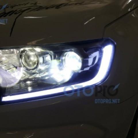 Ford Ranger Wildtrak 2016 độ bi xenon pha, LED mí khối