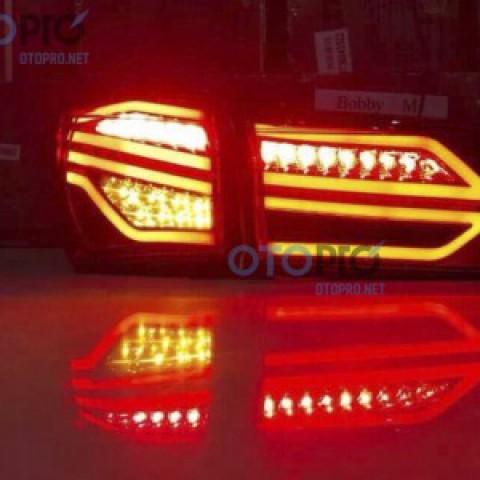 Đèn hậu độ LED nguyên bộ xe Altis 2014-2016 mẫu Mercedes