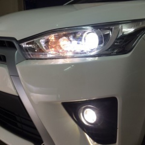 Toyota Yaris độ bi gầm